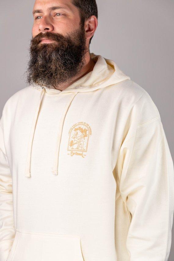 Jeune homme portant un nouveau hoodie optional clothing